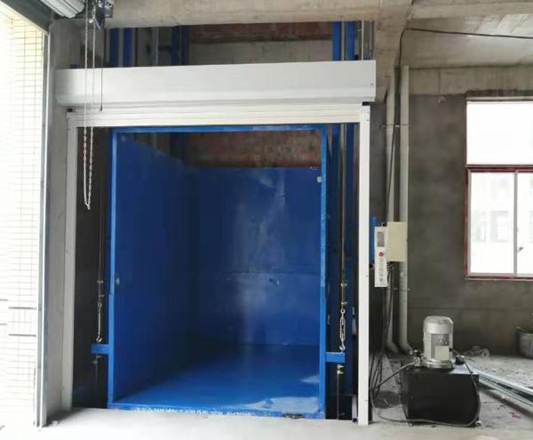 升高12米液压升降机在日照安装完成