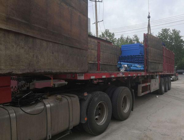6台链条升降平台装车发往天津