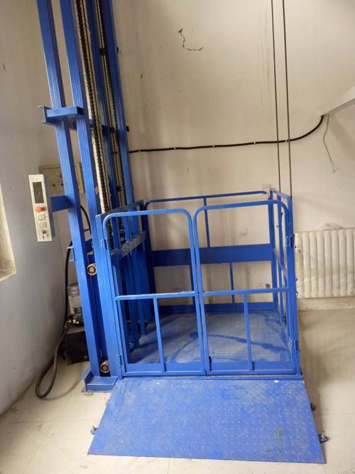 液压单体导轨式升降平台